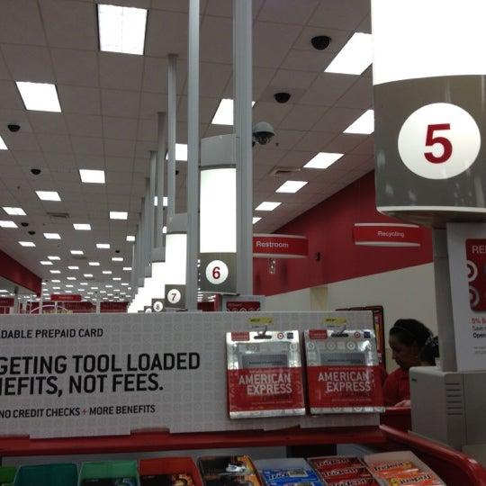 Снимок сделан в Target пользователем Alice Y. 3/11/2012