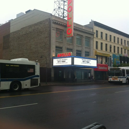 Das Foto wurde bei Apollo Theater von Tyrone M. am 5/1/2012 aufgenommen