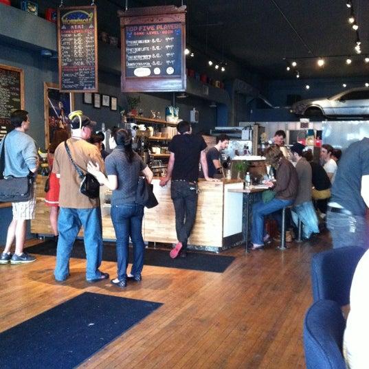 5/13/2012에 Mollie C.님이 The Wormhole Coffee에서 찍은 사진