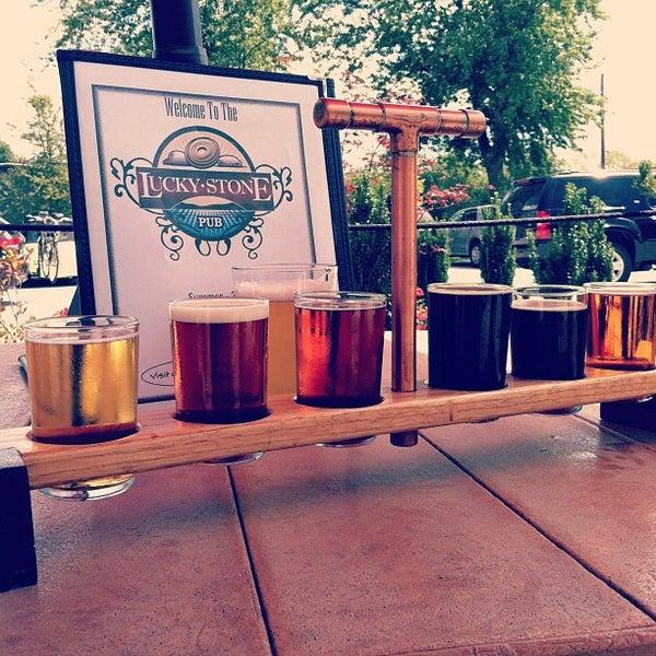 Снимок сделан в Saugatuck Brewing Company пользователем Matthew M. 8/18/2012