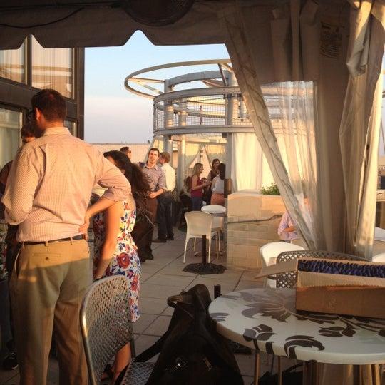 7/16/2012에 Sean H.님이 Beacon Sky Bar에서 찍은 사진