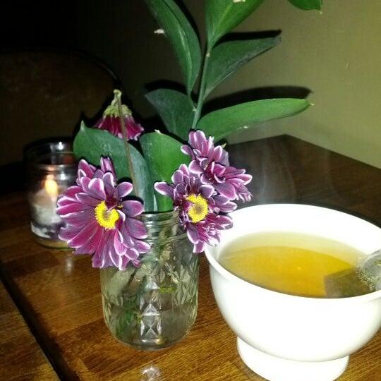รูปภาพถ่ายที่ The West—Coffeehouse & Bar โดย M. K. เมื่อ 12/21/2011