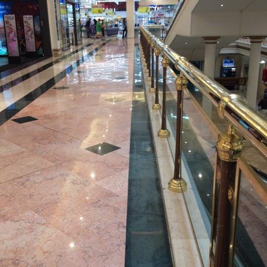 Foto tomada en Centro Comercial Gran Vía 2 por Airam el 6/1/2012