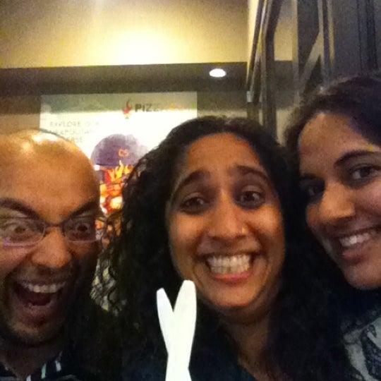 Снимок сделан в Pizza CS пользователем Sapna P. 4/18/2012