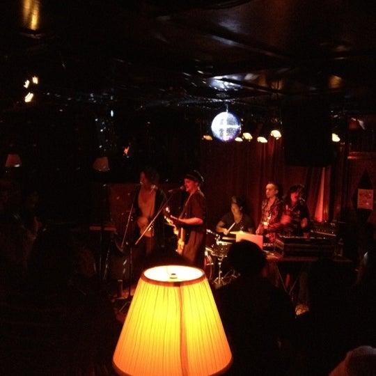 Photo prise au Three Clubs par Nick D. le11/23/2011
