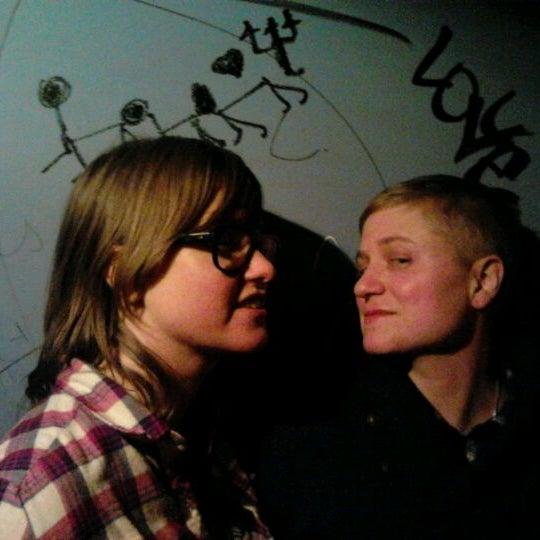 Das Foto wurde bei Nowhere Bar von Edwin R. am 11/6/2011 aufgenommen