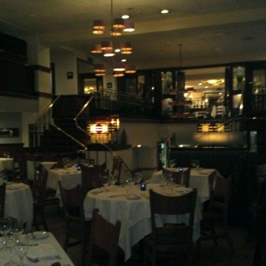Das Foto wurde bei Beacon Restaurant & Bar von Cheryl P. am 2/16/2012 aufgenommen