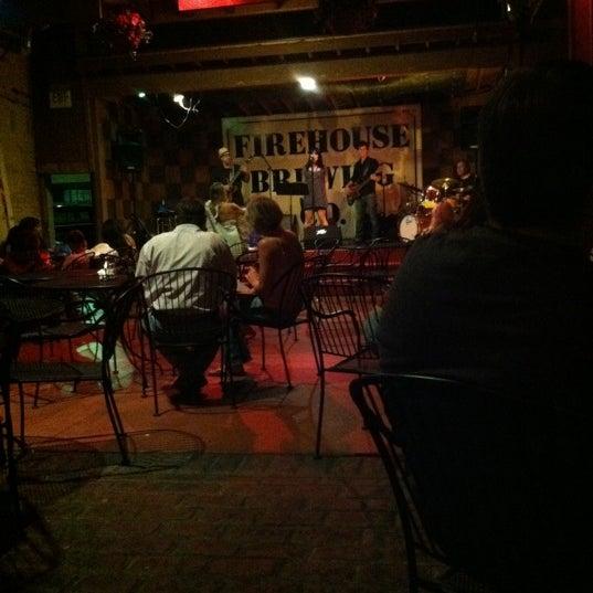 รูปภาพถ่ายที่ Firehouse Brewing Company โดย Jared T. เมื่อ 7/29/2011