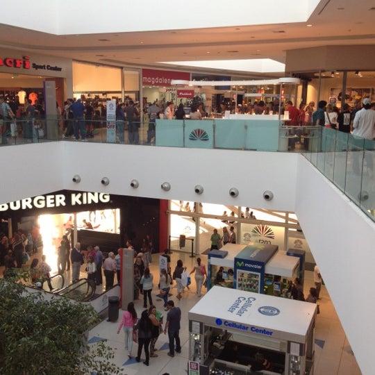รูปภาพถ่ายที่ Costa Urbana Shopping โดย Matias B. เมื่อ 3/24/2012