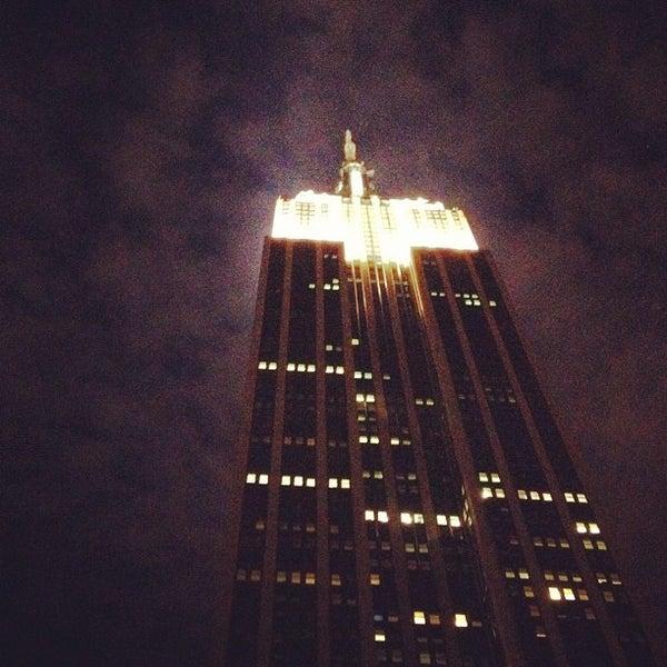 Foto diambil di VU Bar NYC oleh A C. pada 7/22/2012
