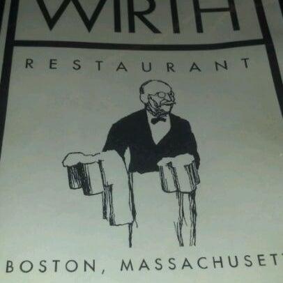 Foto tirada no(a) Jacob Wirth Restaurant por Al S. em 3/24/2012