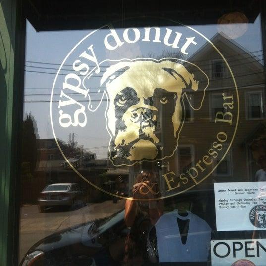 Foto scattata a Boxer Donut & Espresso Bar da Taylor G. il 7/1/2012