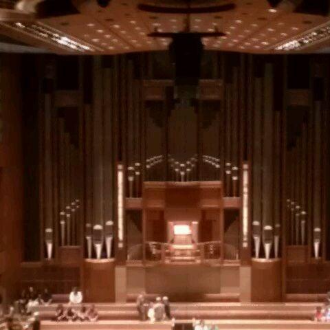 Foto tirada no(a) Morton H. Meyerson Symphony Center por Don M. em 10/8/2011