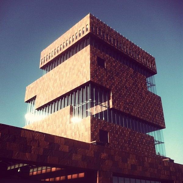 Foto tirada no(a) MAS | Museum aan de Stroom por Bart V. em 1/27/2012
