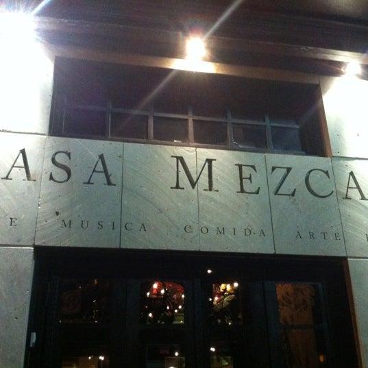 Foto tomada en Casa Mezcal por Gabriel el 7/8/2012