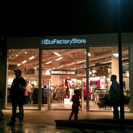 arrastrar escándalo tema  Nike Factory Las Terrazas - Sporting Goods Shop