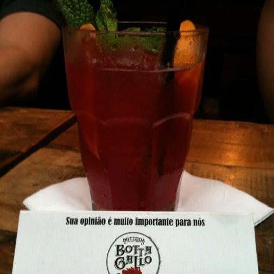 รูปภาพถ่ายที่ Bottega Bottagallo โดย LETICIA K. เมื่อ 1/7/2012