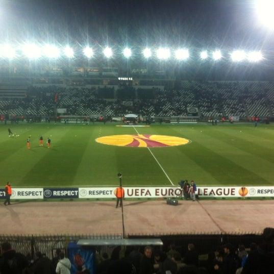 รูปภาพถ่ายที่ Toumba Stadium โดย Dimitris L. เมื่อ 2/23/2012