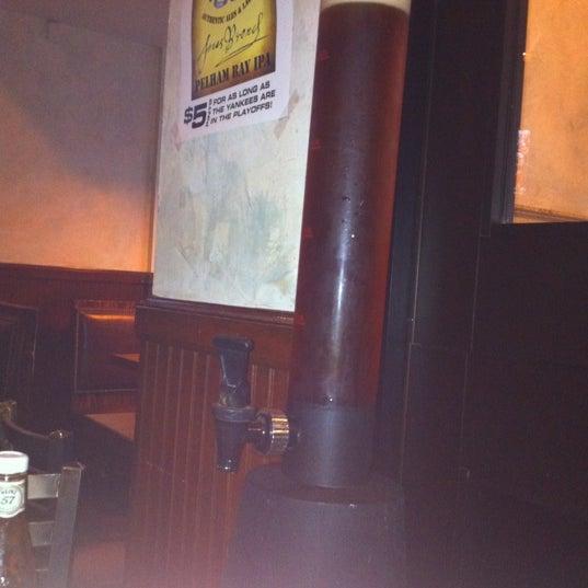 Photo prise au Mudville Restaurant & Tap House par Genvieve J. le10/1/2011