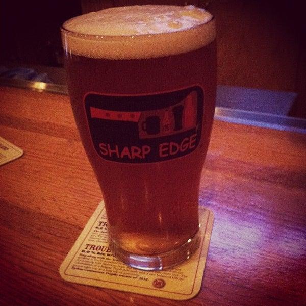 8/11/2012에 Matt A.님이 Sharp Edge Beer Emporium에서 찍은 사진