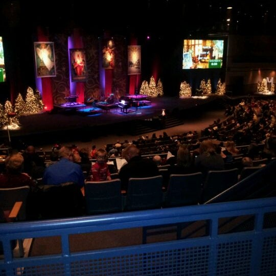 12/24/2011 tarihinde Nick D.ziyaretçi tarafından Eastview Christian Church'de çekilen fotoğraf
