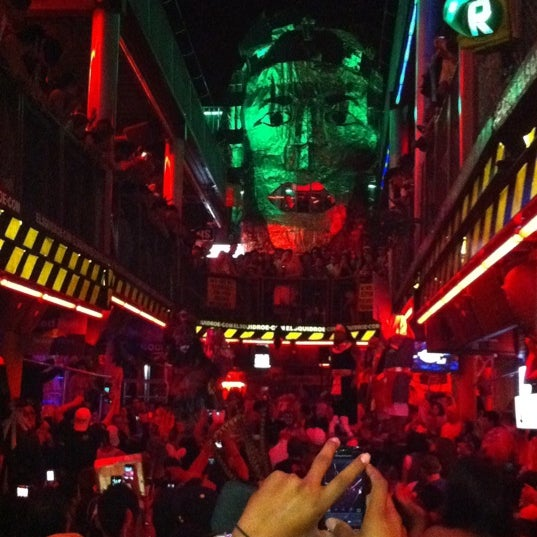Foto scattata a El Squid Roe da mauricio e. il 11/1/2011