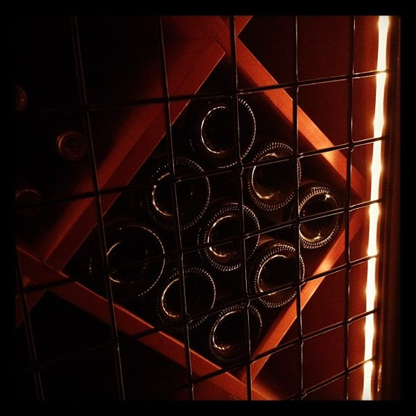 Foto tomada en Portland City Grill por Bob D. el 8/21/2012