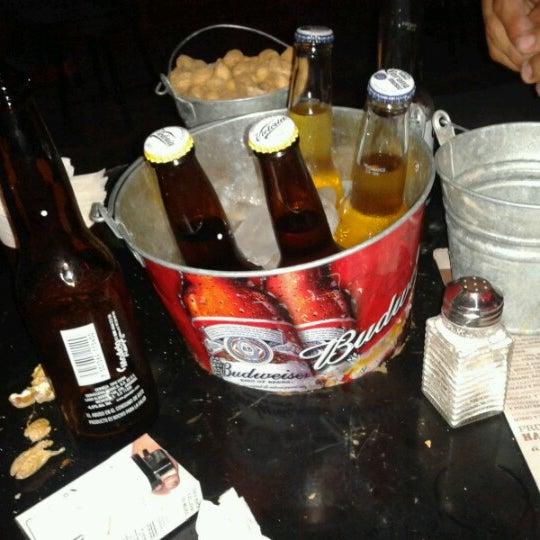 Foto diambil di College Bar oleh Abraham L. pada 8/21/2012