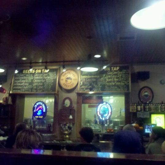 Снимок сделан в Deschutes Brewery Bend Public House пользователем Kevin O. 11/13/2011