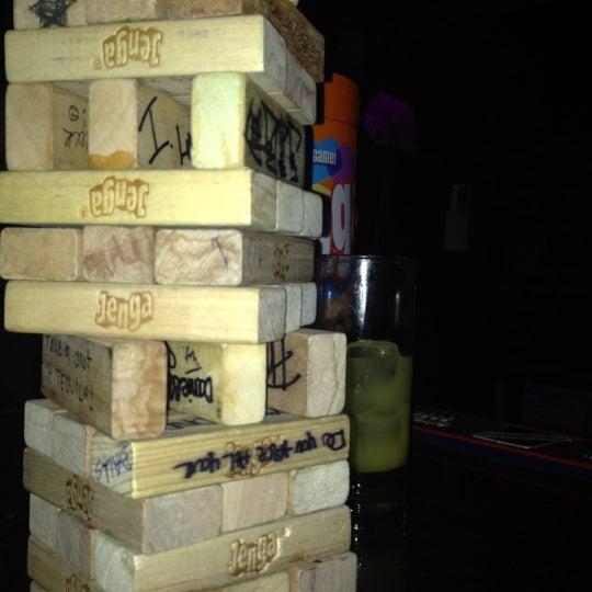 Foto tomada en Raven Lounge por Alyssa S. el 1/3/2012