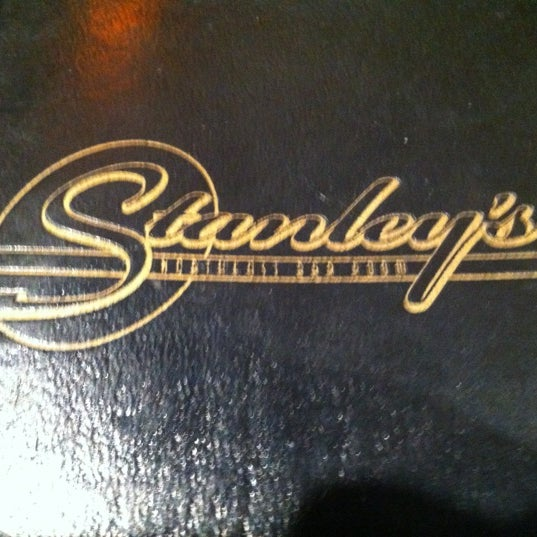 4/10/2012にDan F.がStanley's Northeast Bar Roomで撮った写真