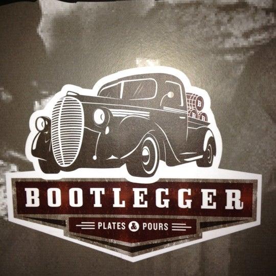 Foto diambil di Bootlegger oleh Kira F. pada 2/14/2012