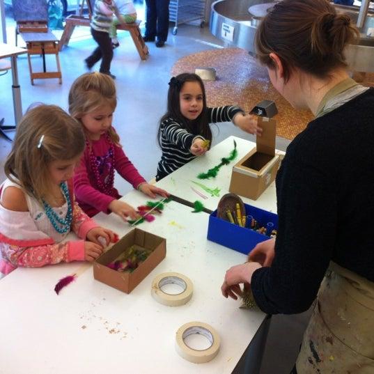 รูปภาพถ่ายที่ Children's Museum of the Arts โดย Carrie S. เมื่อ 2/26/2012
