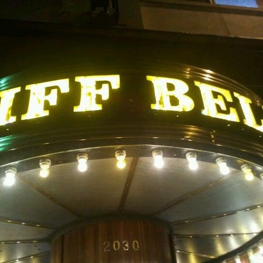 Photo prise au Cliff Bell's par Bright Lights le3/22/2012