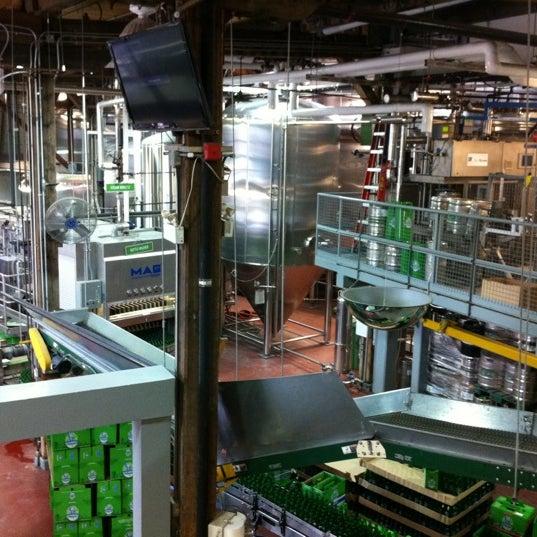 2/5/2012 tarihinde Chris C.ziyaretçi tarafından Steam Whistle Brewing'de çekilen fotoğraf