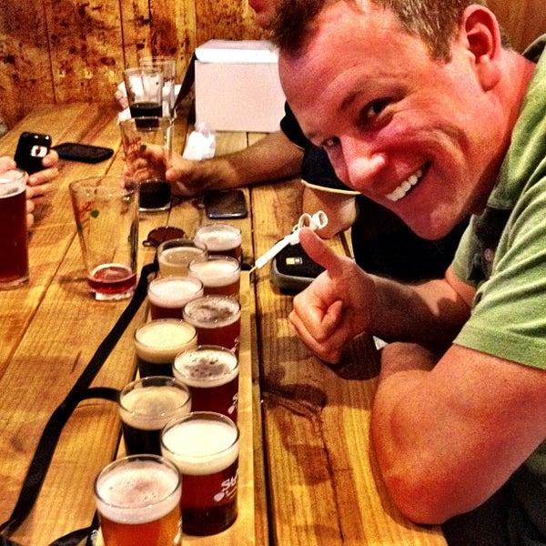 Das Foto wurde bei Strange Craft Beer Company von Leonardo D. am 8/26/2012 aufgenommen