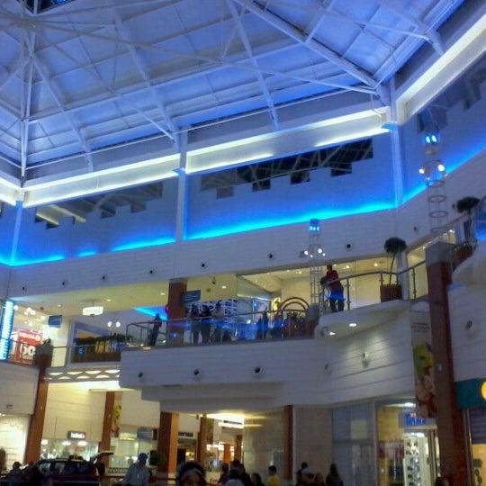 Снимок сделан в Floripa Shopping пользователем Jorge P. 7/24/2012