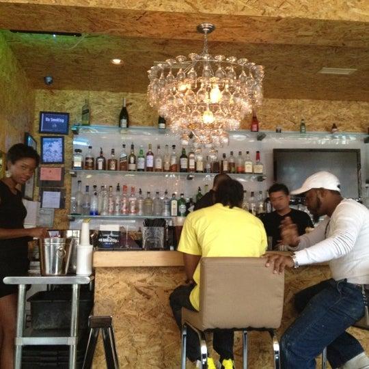 Das Foto wurde bei Vodou Bar von Kevin F. am 8/21/2012 aufgenommen
