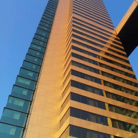 รูปภาพถ่ายที่ Courtyard by Marriott Santiago Las Condes โดย Sebastian Q. เมื่อ 9/2/2012