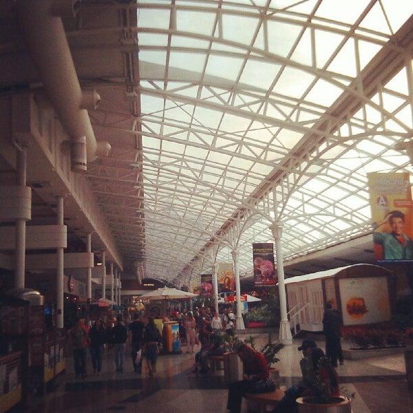 9/1/2012 tarihinde Jimmy G.ziyaretçi tarafından Shopping Estação'de çekilen fotoğraf