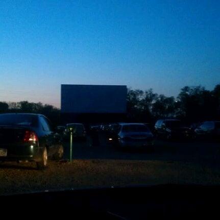Foto tomada en Starlite Drive-In Theatre por Ashleigh R. el 3/31/2012