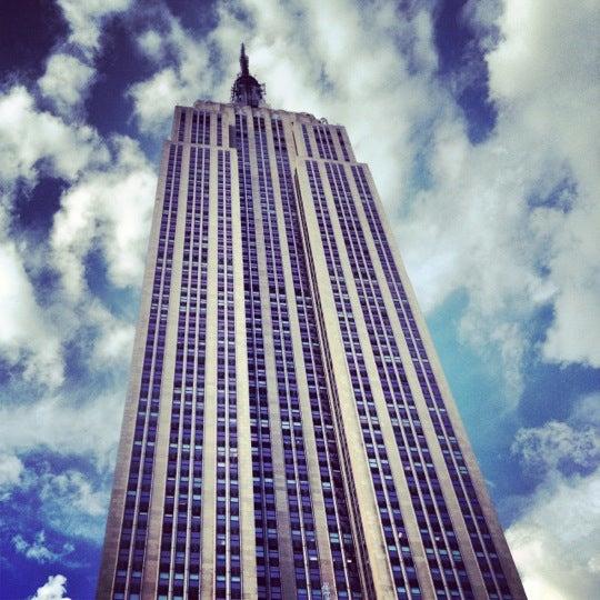 Foto diambil di VU Bar NYC oleh Rich K. pada 6/8/2012