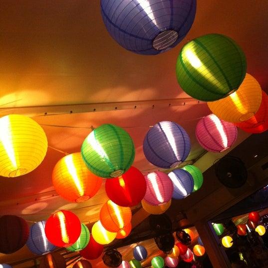 Photo prise au Rosie's Bar & Grill par Mark C. le7/21/2012