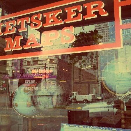 Photo prise au Metsker Maps par Taylor O. le6/19/2012