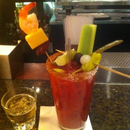 6/23/2012에 Doug N.님이 Ike's Food & Cocktails에서 찍은 사진