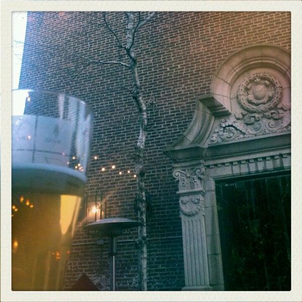 Das Foto wurde bei Square One Brewery & Distillery von Jen am 3/13/2012 aufgenommen