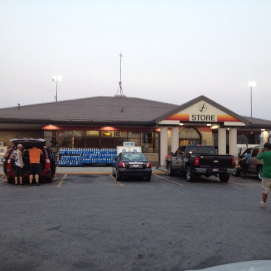 Flying J - Gas Station in Snowville