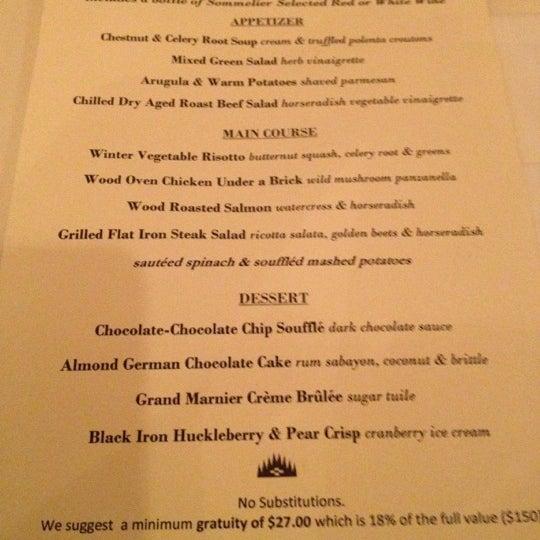 Das Foto wurde bei Beacon Restaurant & Bar von Dave L. am 3/4/2012 aufgenommen