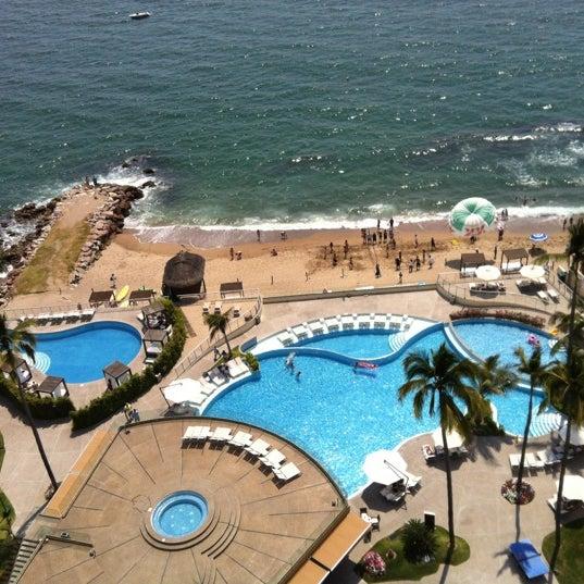 Foto tomada en Sunset Plaza Beach Resort & Spa por Fatima V. el 5/19/2012