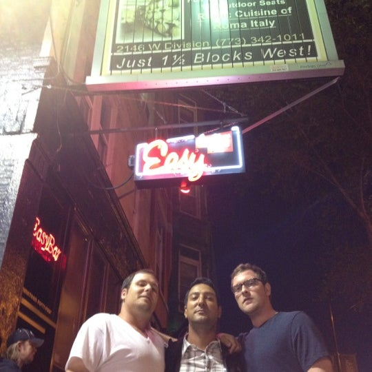 Foto diambil di Easy Bar oleh Oscar R. pada 6/13/2012